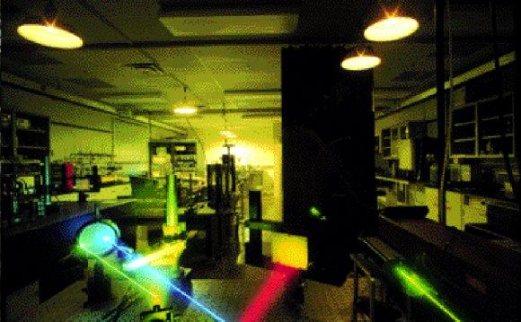 Transmission holography set-up